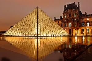 ルーヴル美術館(フランスのパリ)