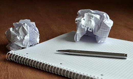 ノートの用紙を丸めてみたら?