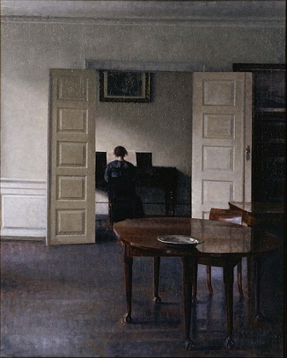 「ピアノを弾く妻イーダのいる室内」(1910年)ヴィルヘルム・ハマスホイ