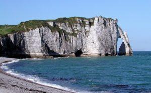 フランス、ノルマンディー地域のエトルタ
